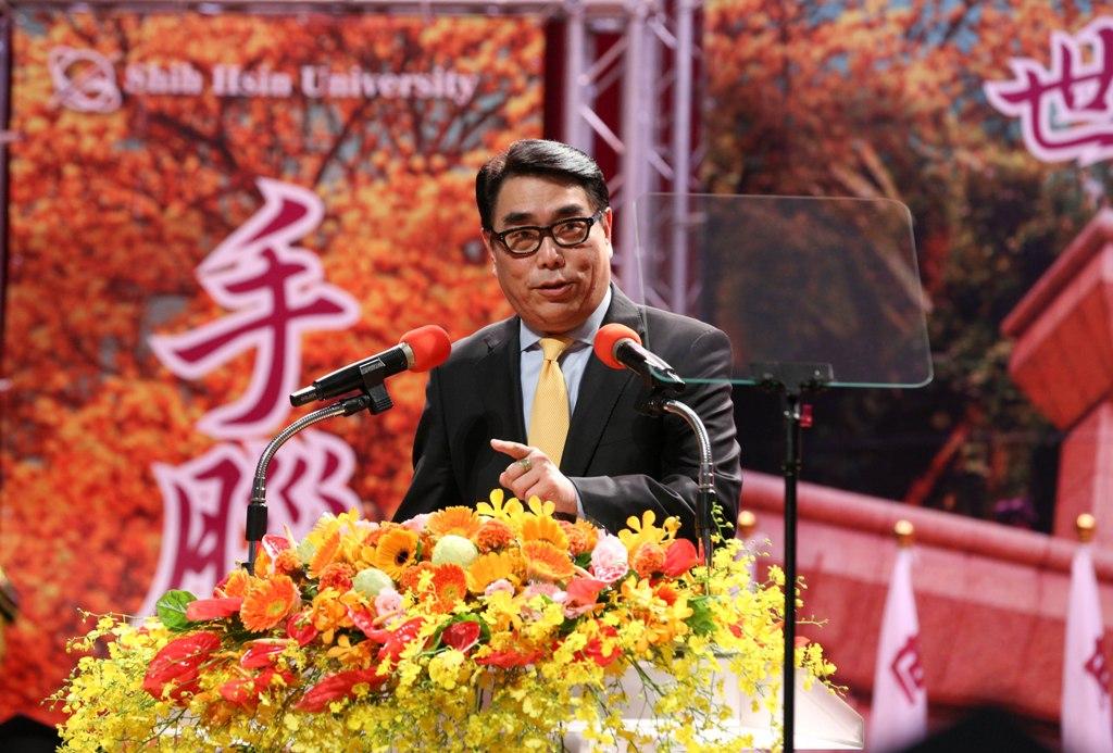 資深媒體人楊盛昱返母校世新 攜畢業生瞻望未來