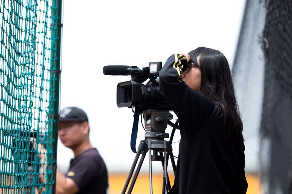 棒球轉播全新感受 全媒體中心、體育室跨界合作