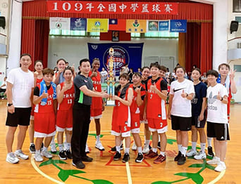 世新女籃再奪冠!全國中學校際籃球賽壓倒性勝出