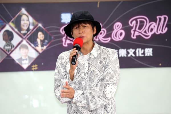 吳建恆世新開講日韓流行音樂!勉勵學弟妹培養第二專長